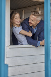 Happy father and daughter in playhouse - BEF00154