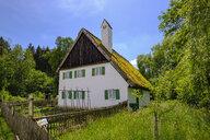 Germany, Bavaria, Gessertshausen, Glaserschuster house, thatched roof, Museum of Popular Art - SIE07799