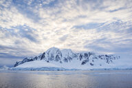 Antarctic, Antarctic Peninsula, snow covered mountains with ice and glacier in the morning - CVF00673