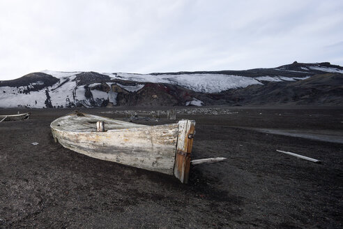 Antarctic, old wooden rowing boat - CVF00691