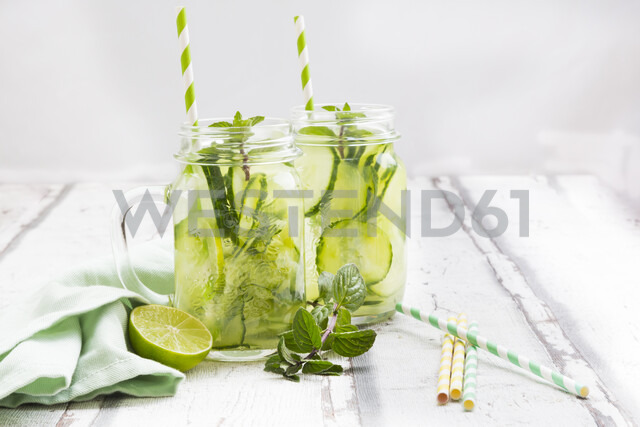 Organic cucumber water with mint and lime - LVF07062
