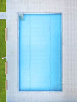 Empty swimming pool, top view - MMAF00390