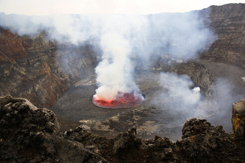 Africa, Democratic Republic of Congo, Virunga National Park, Nyiragongo volcano - REAF00303