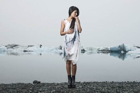 Fashion shoot at the Ice Lagoon, South East Iceland - CUF31574