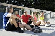 Runners taking break - CUF34445
