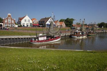 Germany, Lower Saxony, Krummhoern, Greetsiel, Neuharlingersiel, fishing harbour - WIF03533