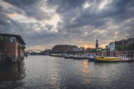 Germany, Hamburg, inland harbour with St. Michaelis Church in background - KEBF00844