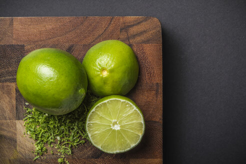 Ingredient for making green curry paste - lime - CUF35584