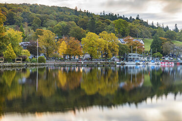 United Kingdom, England, Cumbria, Lake District, Windermere lake, view at sunrise from Ambleside - WPEF00551
