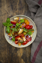 Panzanella made of roasted Ciabatta, rocket, red onions, tomatoes and basil - LVF07266