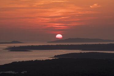 Croatia, Istria, Losinj, Mali Losinj at sunset - HAMF00330