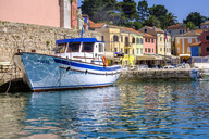 Croatia, Istria, Losinj, Rovenska, Fishermen's boat at the harbour - HAMF00336