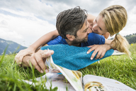 Couple enjoying the meadow - CUF42862