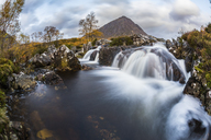 UK, Scotland, Highlands, Buachaille Etive Mor mountain with waterfalls on foreground - WPEF00692