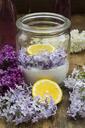 Preparing lilac sirup - LVF07299