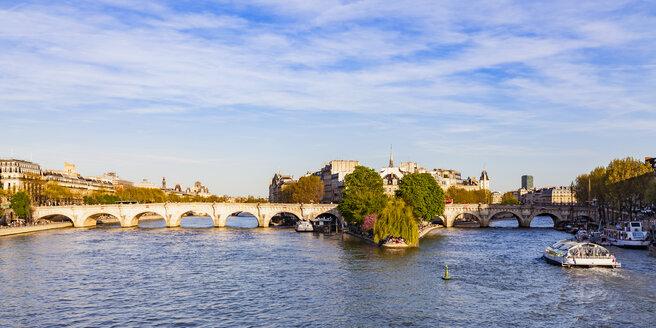 France, Paris, Pont Neuf and tourist boat on Seine tiver - WDF04713