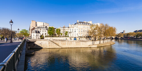 France, Paris, Pont Sully and Hotel Lambert - WDF04725