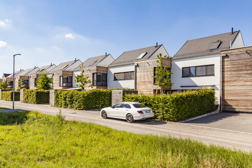 Germany, Baden-Wuerttemberg, Stuttgart, Ostfildern, modern efficiency houses - WDF04757