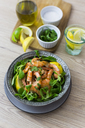 Shrimps with lamb's lettuce in bowl - GIOF03989