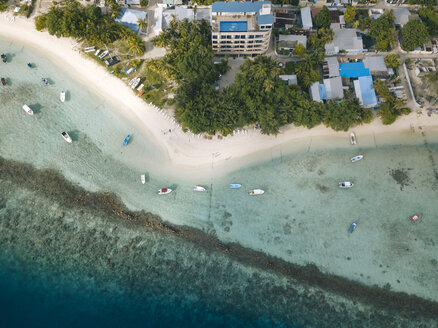 Maldives, Aerial view of beach and boats - KNTF01166