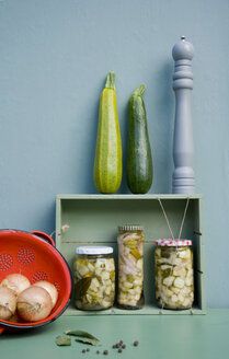 Preserved courgettes in glasses - GISF00362