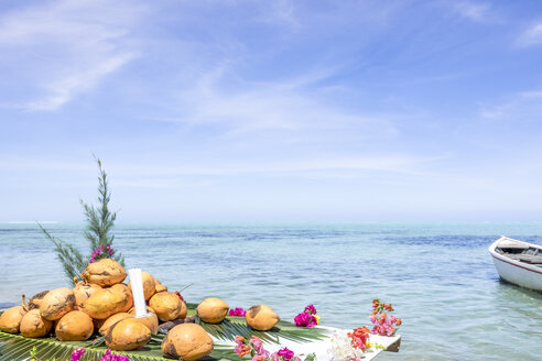 Mauritius, La Gaulette, Coconuts on stand at the beach - MMAF00433