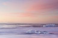 Icebergs on beach at dusk, Jokulsarlon, Iceland - ISF19117