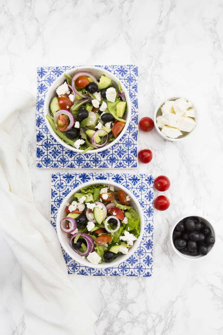 Two bowls of Greek salad - LVF07376 - Larissa Veronesi/Westend61