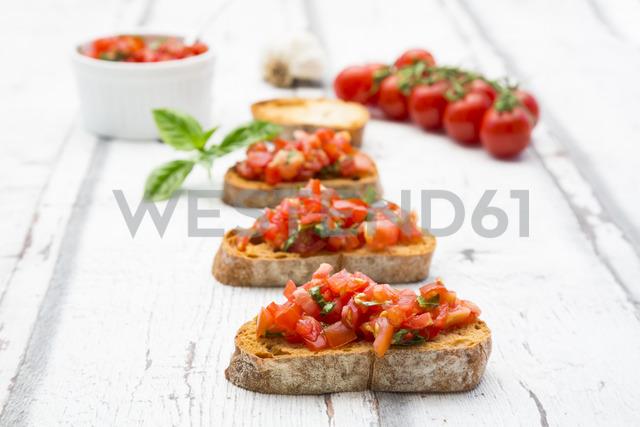 Bruschetta with tomato, basil, garlic and white breah - LVF07379