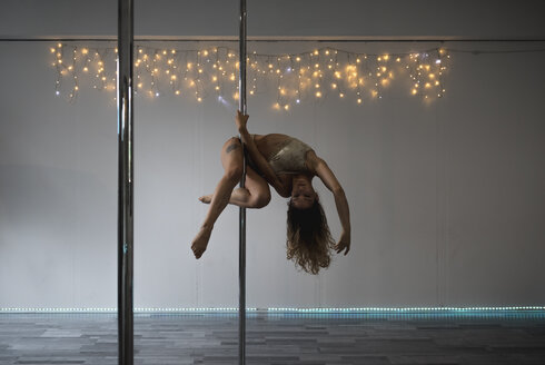 Pole dancer during a performance - MAUF01663