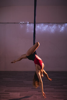 Aerial silks performer during a performance - MAUF01678