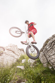 Acrobatic biker on trial bike - GIOF04093
