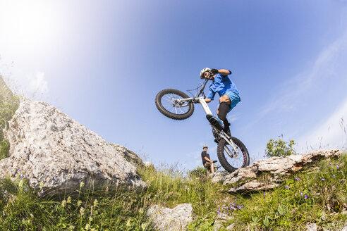 Acrobatic biker on trial bike - GIOF04114