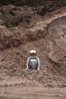 Spaceman exploring nameless planet - VPIF00439