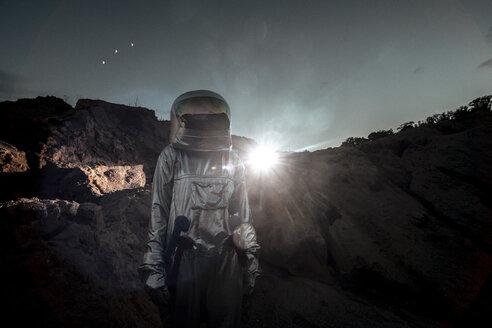 Spaceman exploring nameless planet - VPIF00505