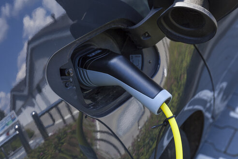 Charging of an electric car - TCF05517