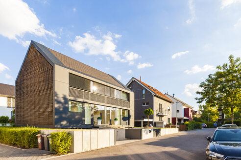 Germany, Baden-Wuerttemberg, Stuttgart, Killesberg, one-family houses - WDF04784
