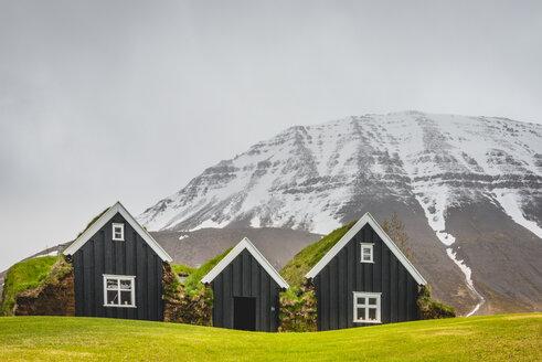 Iceland, Holar, peat houses - KEBF00864