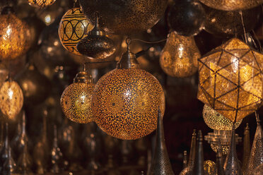 Morocco, Marrakesh, illuminated lamps at souk - MMAF00483