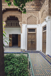 Morocco, Marrakesh, raditional courtyard of a Moroccan Riad - MMA00492