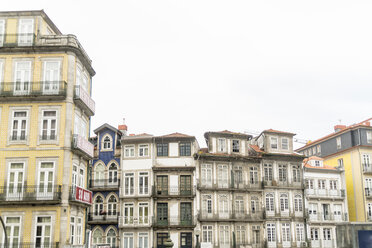 Portugal, Porto, row of houses in the city - CHP00509