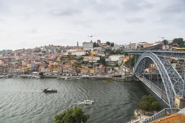 Portugal, Porto, view to the city and Ponte Luiz I Bridge over Douro river  from Vila Nova de Gaia - CHPF00518