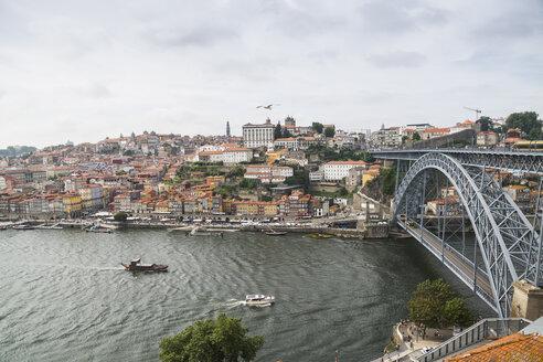 Portugal, Porto, view to the city and Ponte Luiz I Bridge over Douro river  from Vila Nova de Gaia - CHPF00518