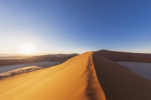 Africa, Namibia, Namib desert, Naukluft National Park, sand dune 'Big daddy' - FOF10086