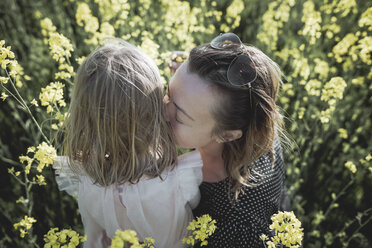 Mother and little daughter together in rape field - PSIF00016