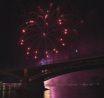 Germany, Wiesbaden, Theodor Heuss Bridge, fireworks at Rhine river - BSCF00566