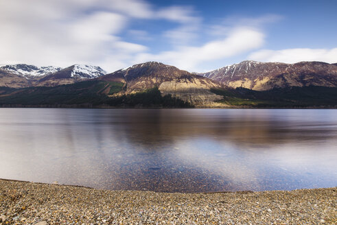 United Kingdom, Scotland, view of a loch - RAEF02120