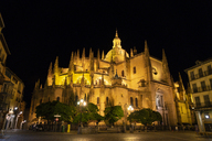 Spain, Castile and Leon, Segovia, Cathedral at night, seen from Plaza Major - JSMF00434