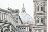 Italy, Florence, view to snow-covered dome of Basilica di Santa Maria del Fiore - MGIF00209