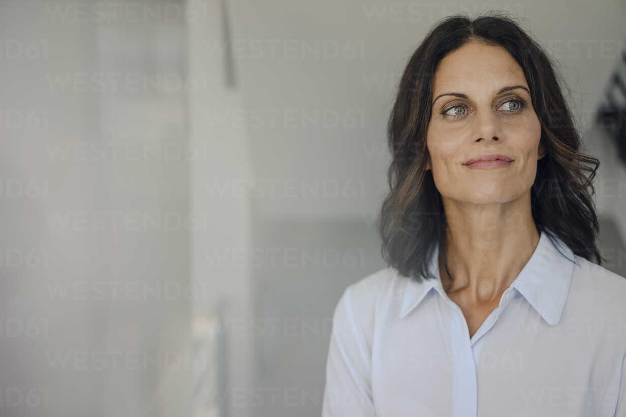 Portrait of a successful businesswoman - KNSF04472 - Kniel Synnatzschke/Westend61